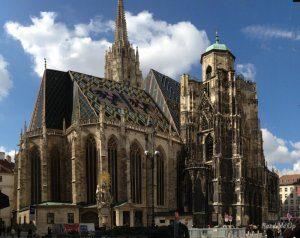 Cathédrale-Saint-Etienne-de-Vienne-SMALL